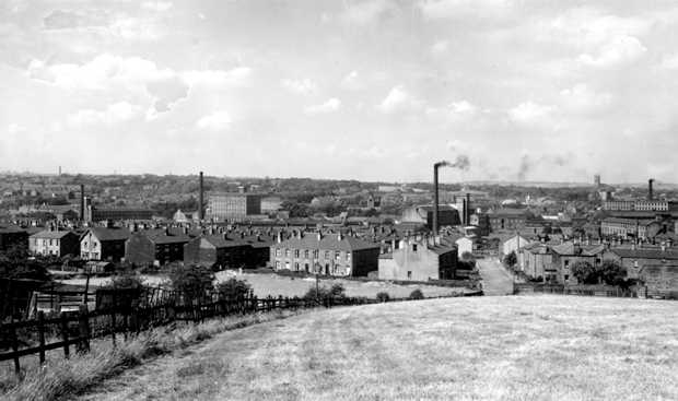 View of Mirfield 1940's leave a comment on this picture if you like!