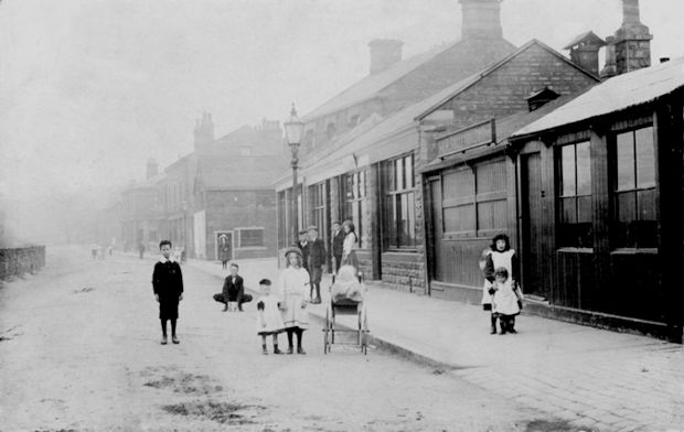 This view shows Calder Road (Now the cafe, taxi office & chip shop.) around 1910, leave a comment on this picture if you like!