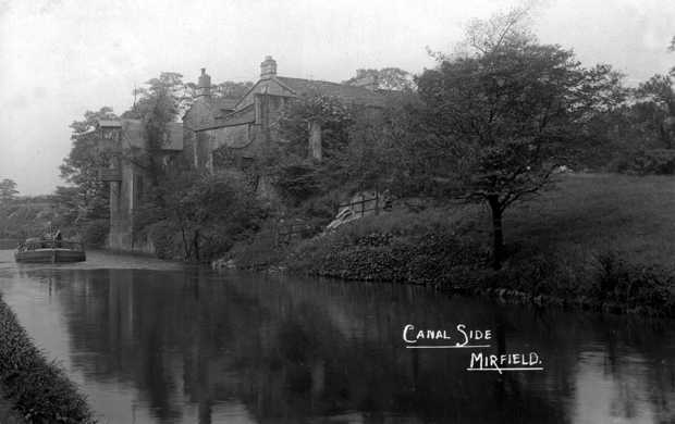 This view shows Canal Lodge around 1910 leave a comment on this picture if you like!